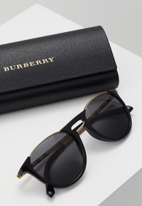 Burberry - Sunglasses - black/grey - 2