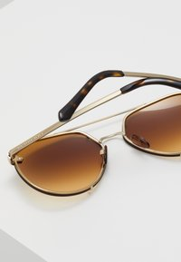 Burberry - Lunettes de soleil - light gold-coloured/light yellow/gradient ochre - 5