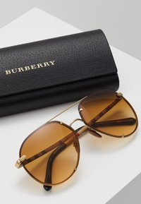 Burberry - Lunettes de soleil - light gold-coloured/light yellow/gradient ochre - 2