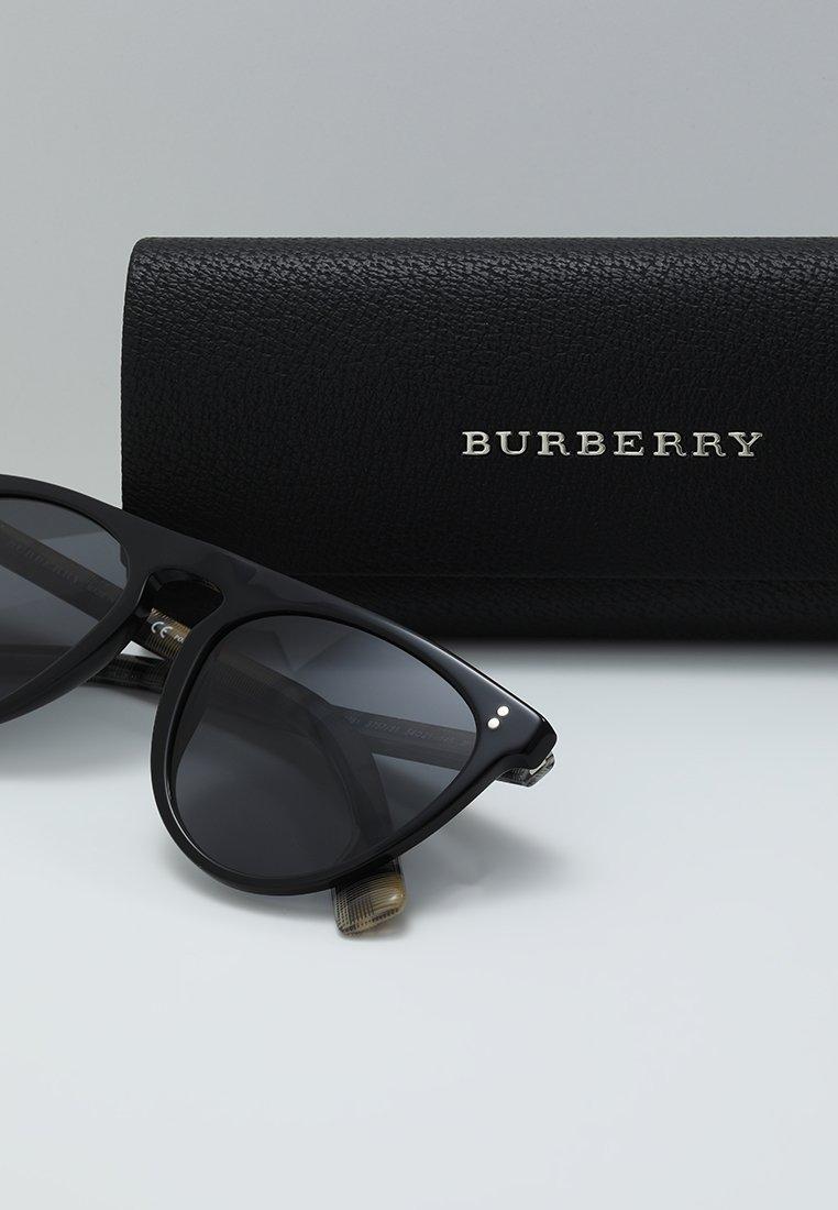 Black Grey Burberry Soleil polar De Lunettes SzUMGqpV