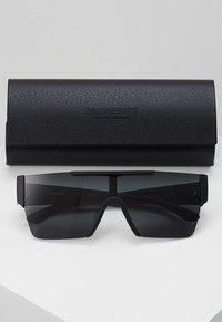 Burberry - Sunglasses - black - 2