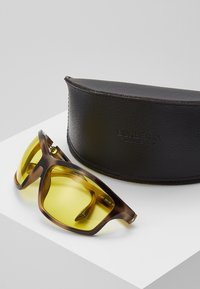 Burberry - Lunettes de soleil - brown/yellow - 2