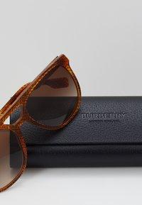 Burberry - Solbriller - brown - 3