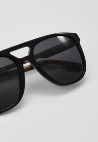 Burberry - Sonnenbrille - black - 2