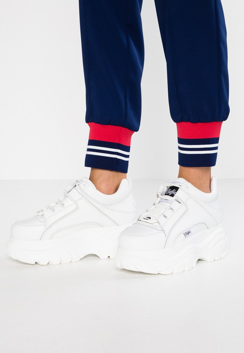 Buffalo London - Sneakers laag - blanco