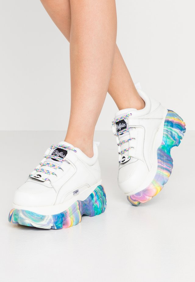 Trainers - white/multicolor