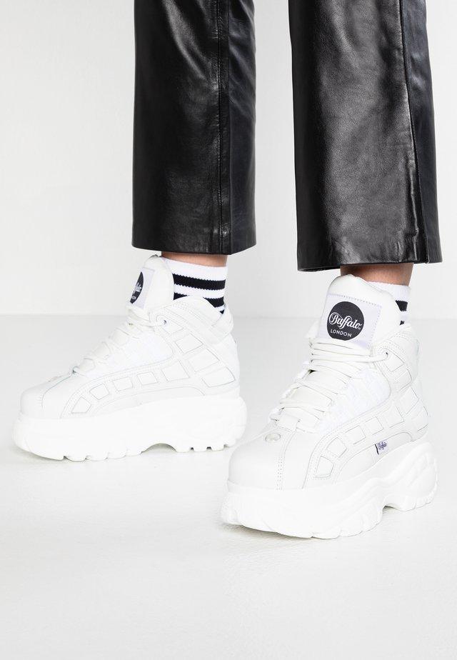 Höga sneakers - blanco