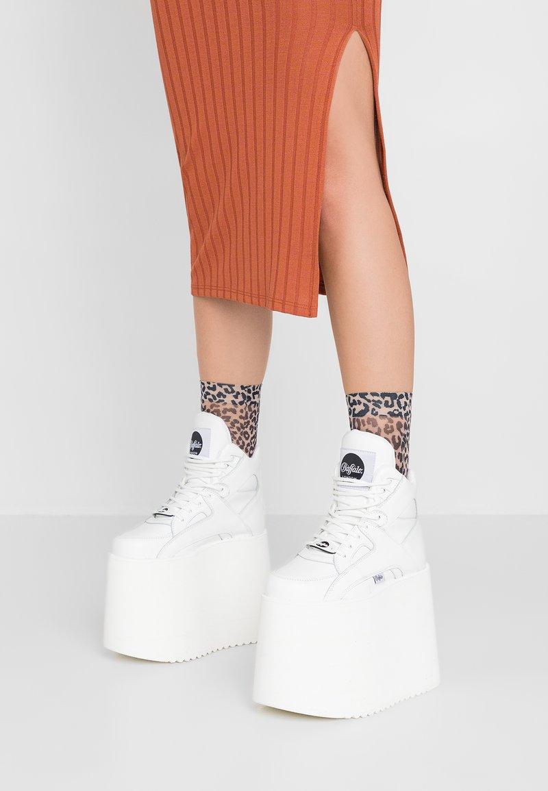 Buffalo London - Sneakers alte - blanco