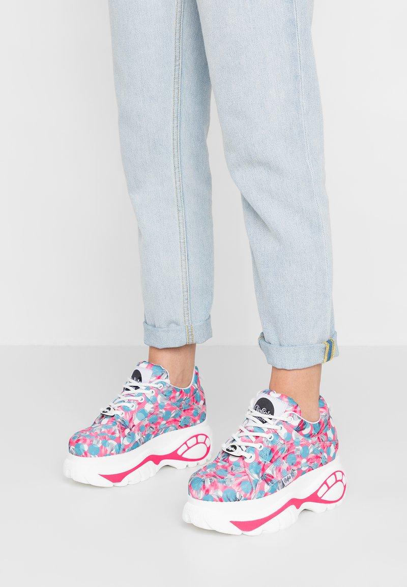 Buffalo London - Sneaker low - blue/fuchsia