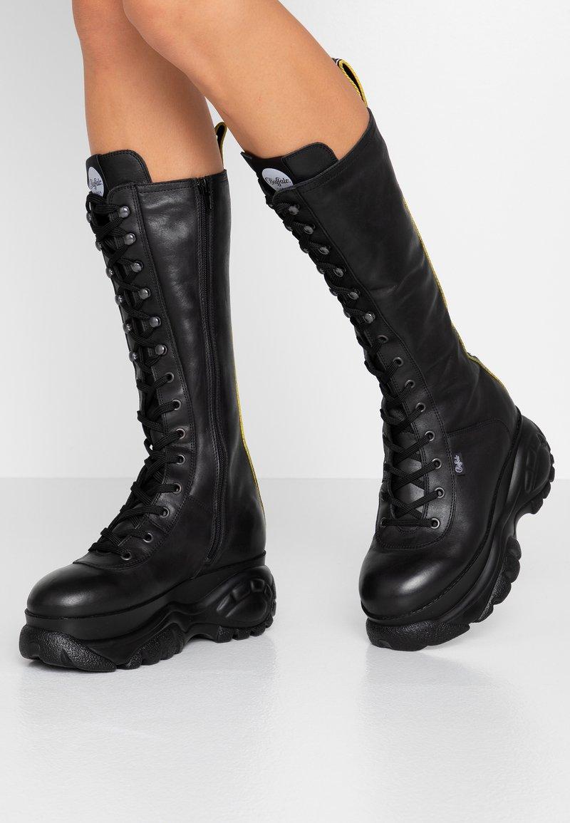 Buffalo London - GILL - Platform boots - black