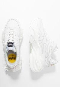 Buffalo London - EYZA - Sneakers - white - 3