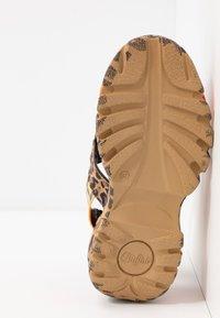 Buffalo London - ELLA - Korkeakorkoiset sandaalit - brown - 6