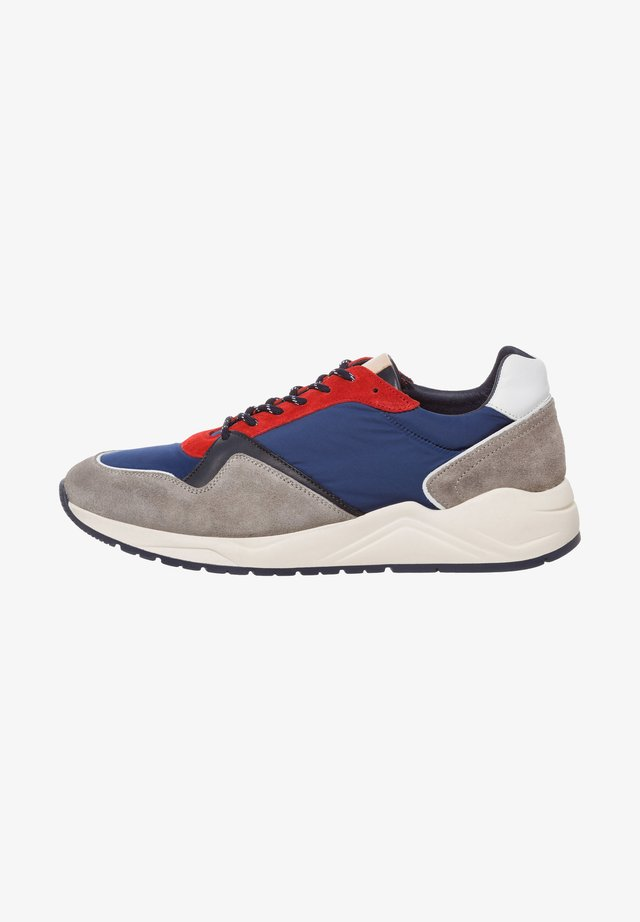 Trainers - blue-red