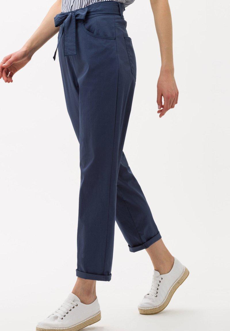 BRAX - STYLE MELO - Trousers - indigo