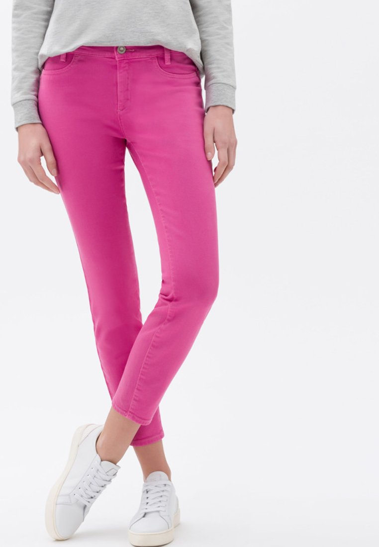 BRAX - STYLE SPICE S - Jeans Slim Fit - pink