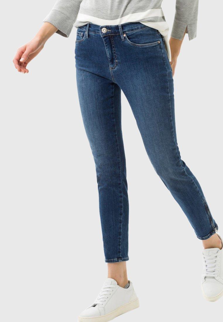 BRAX - STYLE SHAKIRA - Jeans Skinny Fit - regular blue