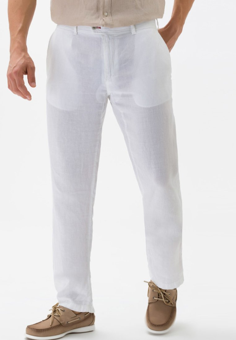 BRAX - STYLE EVANS - Trousers - white