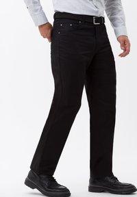 BRAX - STYLE CARLOS - Jeans Straight Leg - perma black - 2