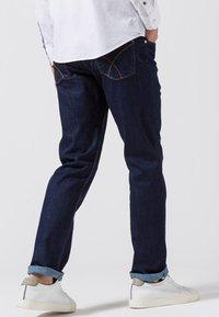 BRAX - COOPER  - Jeans Straight Leg - blue black - 2
