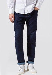 BRAX - COOPER  - Jeans Straight Leg - blue black - 0