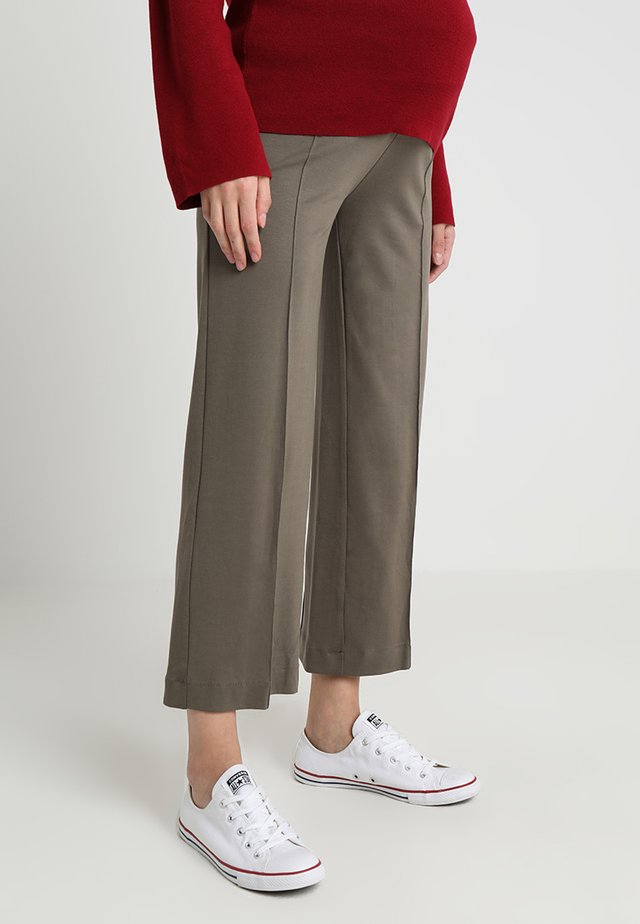 ONCE ON NEVER OFF CROPPED TROUSERS - Trousers - olive leaf