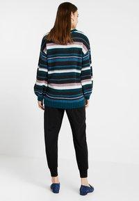 Boob - ONCE ON NEVER OFF EASY PANTS - Teplákové kalhoty - black - 2
