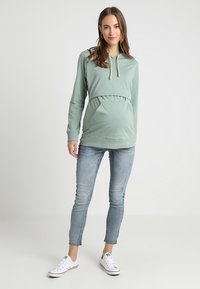 Boob - WARMER HOODIE - Langærmede T-shirts - green surf - 1