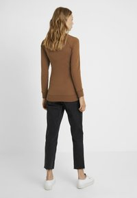 Boob - WARMER - Sweater - cinnamon - 2