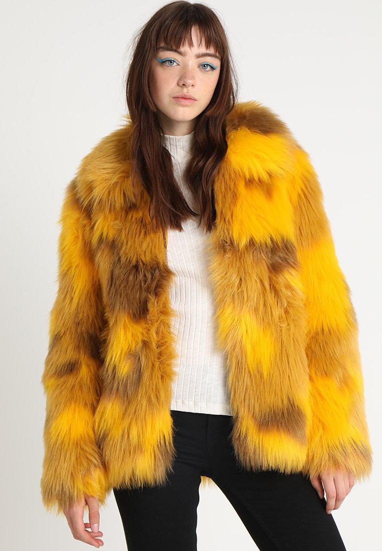 Brixtol Textiles - TRISH - Chaqueta de invierno - cheetah yellow