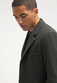 Brixtol Textiles - IAN - Classic coat - olive - 3