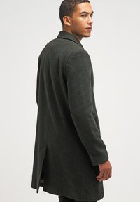 Brixtol Textiles - IAN - Classic coat - olive - 2