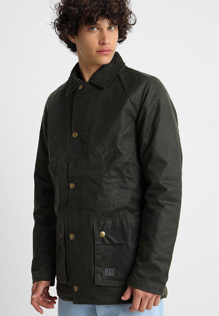 Brixtol Textiles - CURTIS - Short coat - olive
