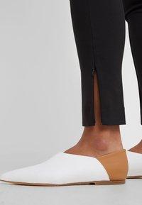 By Malene Birger - ADELIO - Spodnie materiałowe - black - 3