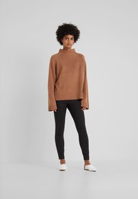 By Malene Birger - ADELIO - Spodnie materiałowe - black - 1