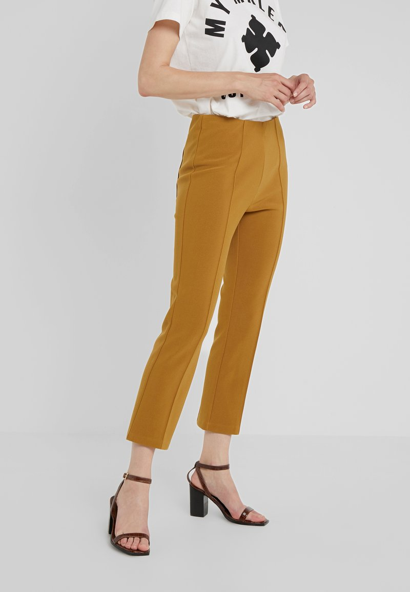 By Malene Birger - VIGGIE - Trousers - tobacco