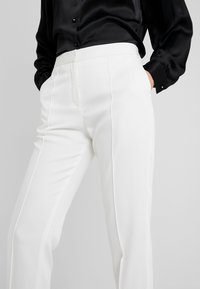 By Malene Birger - SANTSI - Bukse - soft white