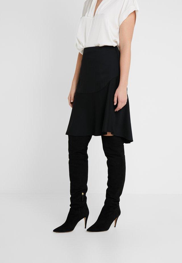 LEELA - A-lijn rok - black