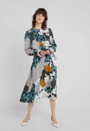 NIELLA - Maxi šaty - misty green