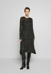 By Malene Birger - ONIX - Gebreide jurk - winter moss - 0