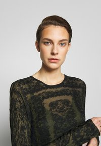By Malene Birger - ONIX - Gebreide jurk - winter moss - 3