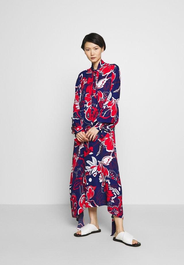 NICCOLO - Maxi šaty - ultramarine