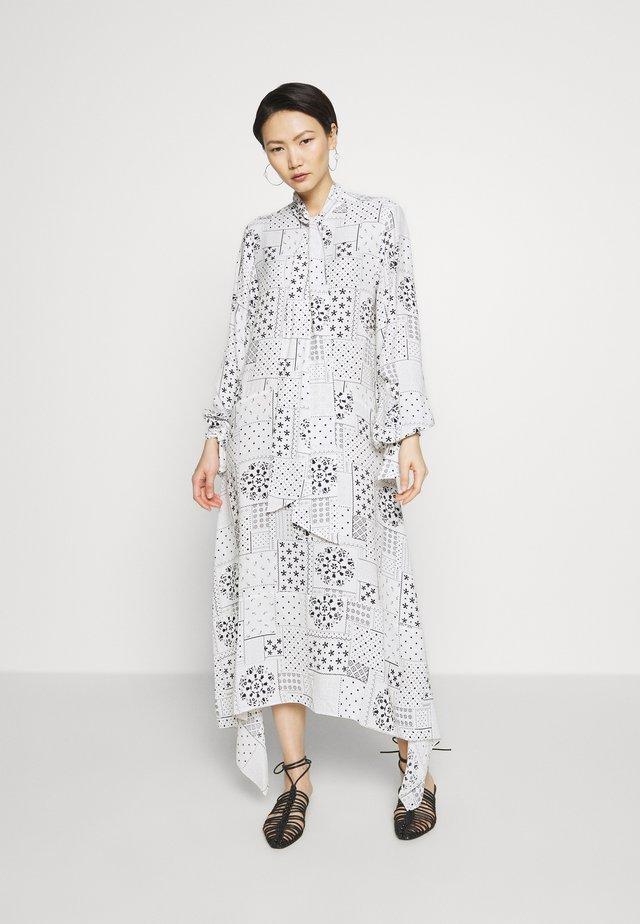 NICCOLO - Długa sukienka - soft white