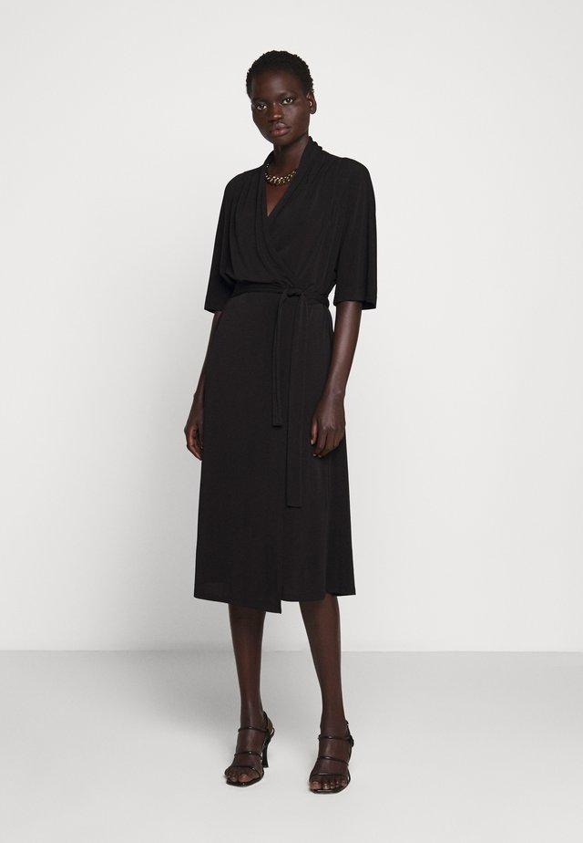 IVESIA - Sukienka z dżerseju - black
