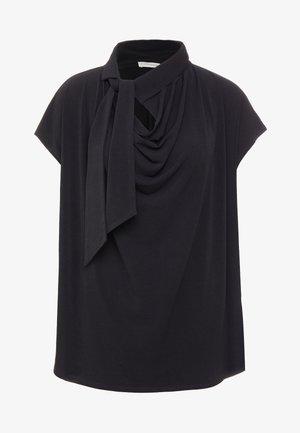 KATIE - T-shirt z nadrukiem - black