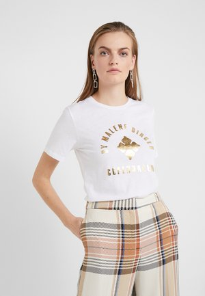 NAYAH - T-shirt con stampa - white with gold print