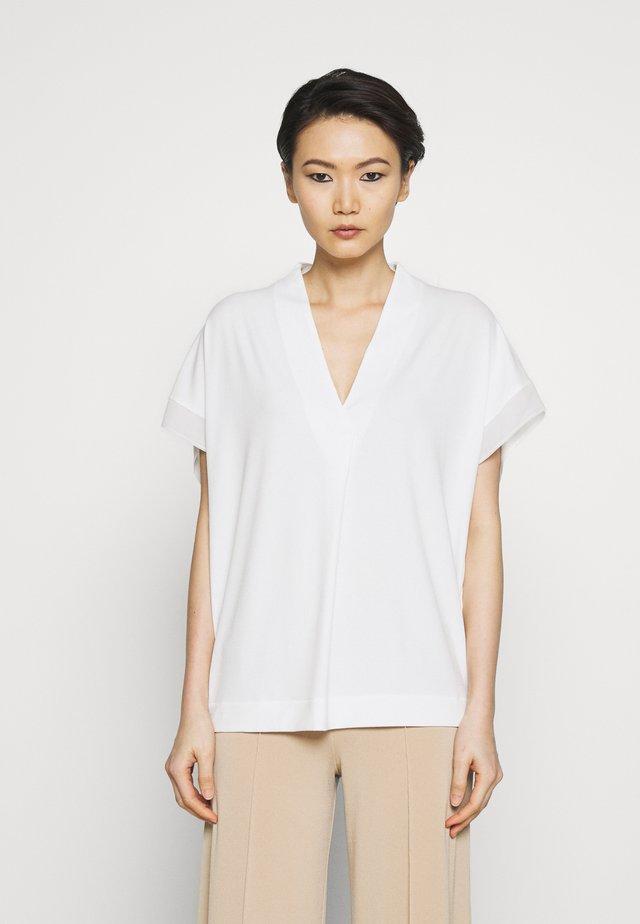 OLIVERZA - T-shirt med print - soft white