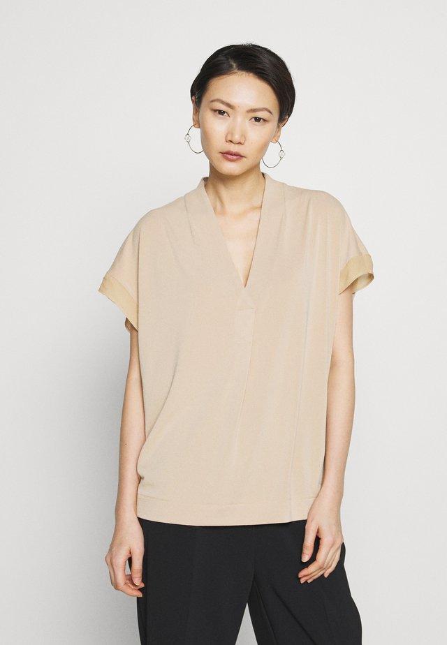 OLIVERZA - T-shirt print - tan