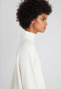 By Malene Birger - BRIANNE - Maglione - soft white - 3