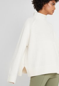 By Malene Birger - BRIANNE - Maglione - soft white - 5