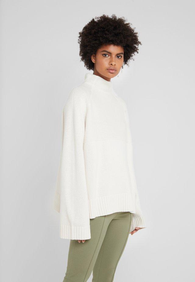 BRIANNE - Stickad tröja - soft white